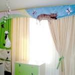 Детские шторы с кошками на ламбрекене