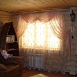 Шторы для зала в деревянном доме