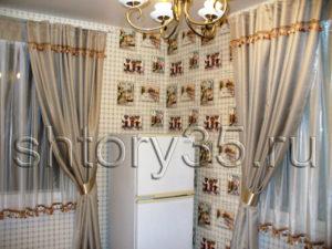 шторы для кухни в загородный дом