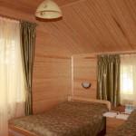 Штора для спальни в деревянный дом и покрывала