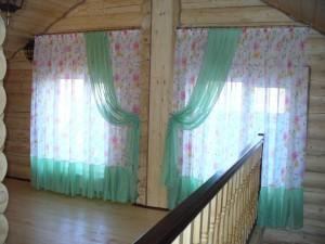 Зеленая штора для холла