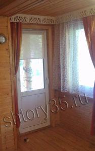 Рулонная штора на окно балконной двери